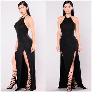 Fashion Nova Slit Maxi Dress 💕